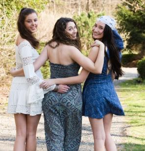 Senior portraits, 3 girls