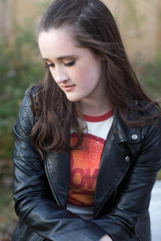 teen-girl-outdoors-portrait